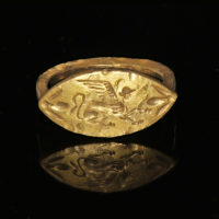 Ancient Greek gold ring with sphinx