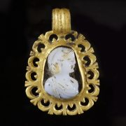 Roman Gold Cameo Pendant with Empress