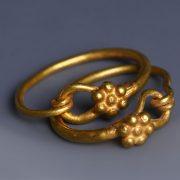 Roman Gold Hoop Earrings with Daisies